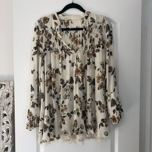 Free People long sleeve ivory flowy top - size xs